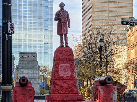 Hamilton vandals leave Sir John A. Macdonald seeing red